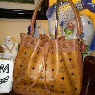 Preloved MCM Bucket Bag