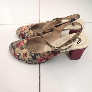 UP heels
