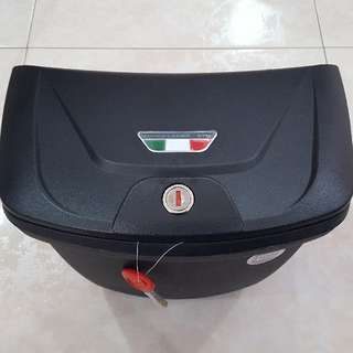 Givi G10N Centre Box For Spark / X1R / 125Z / Jupiter / Sniper / Wave / Yamaha / Honda Bikes.