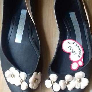 Sepatu Jelly Hitam Bunga