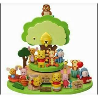 Winnie The Pooh公仔連音樂盒一套