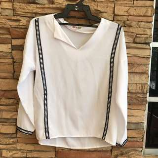 WHITE CASUAL BLOUSE (POSTAGE INCLUDED) Open For Swap