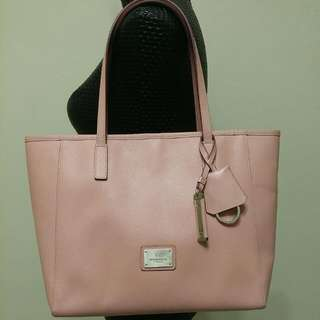 Price⬇💯Authentic Braun Buffel Leather Large Shoulder Tote With Detachable Pouch & Keyring (Pre-loved)