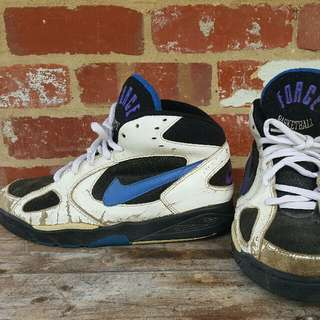 Vintage NIKE Air Force Sneakers 11US Basketball White Blue High Tops Streetwear