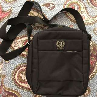 sling bag Arrow