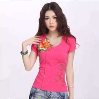 Brand new - Embroidery pink t-shirt L-size
