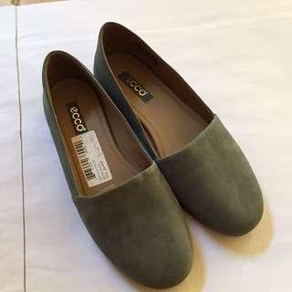 New ECCO Flats Green Size 6-6.5