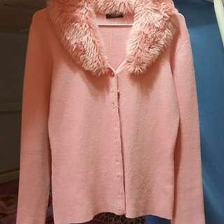 粉色毛毛外套