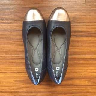 全新-真皮藍+銀撞色休閒鞋
