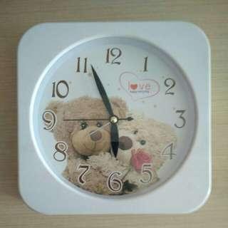 Jam Dinding Bear