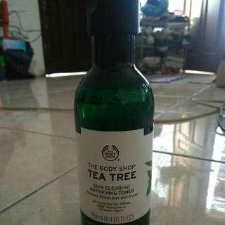 The Body Shop Tea Tree Skin Clearing Toner