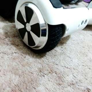LIMITED EDITION Future Wheels Australia Hoverboard (White)