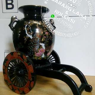 Pasu Porcelain Hitam Imperial Kutani Made In Japan Tahun 1990an
