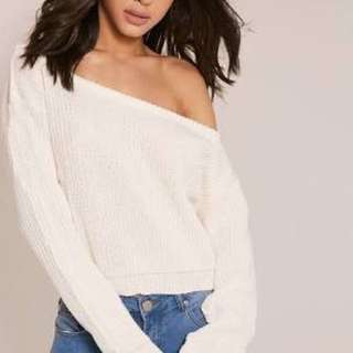 Rosaline Cream Off The Shoulder Crop Jumper - Pretty Little Thing