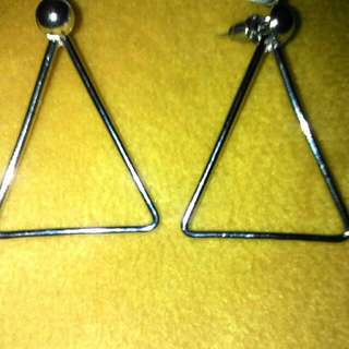 Anting Triangle