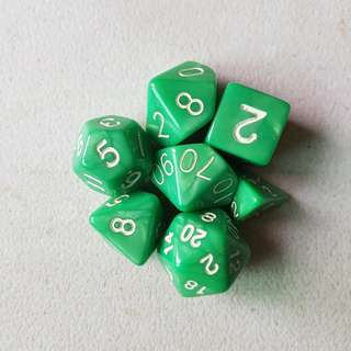7 Piece Gaming Dice - green marbled