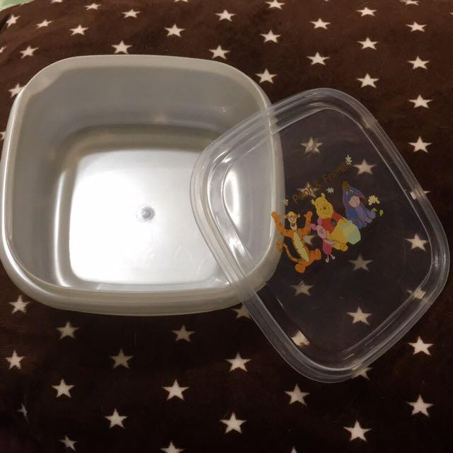 正版-台灣製小熊維尼方形保鮮盒-九成新