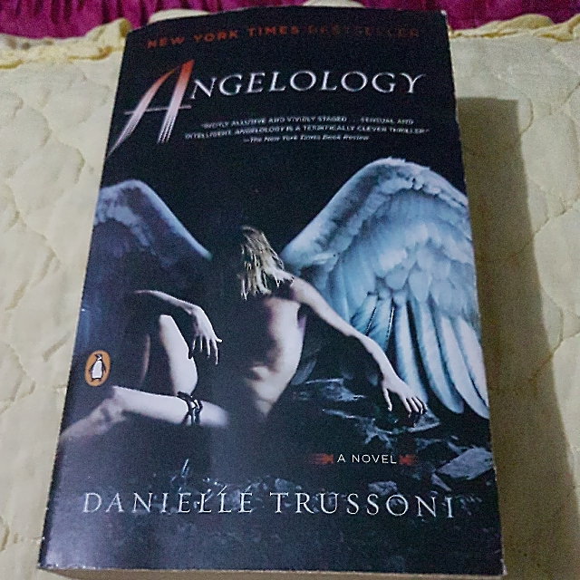 Angelology (Danielle Trussoni)