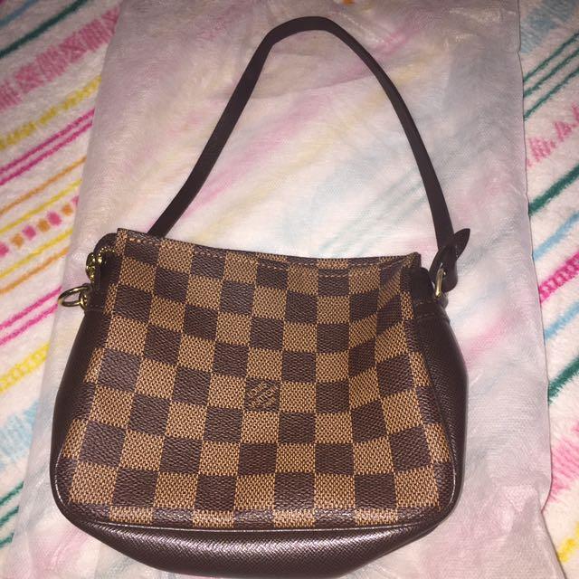 Aunthentic Louis Vuitton Bag