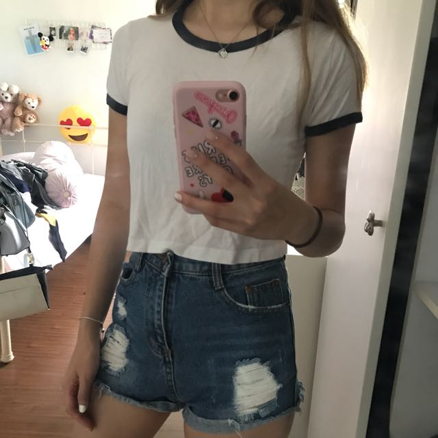 8a006120155 Bershka White Crop Top, Women's Fashion, Clothes, Tops on Carousell