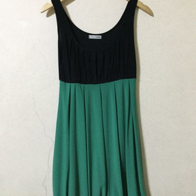 Black & Green Balloon Dress