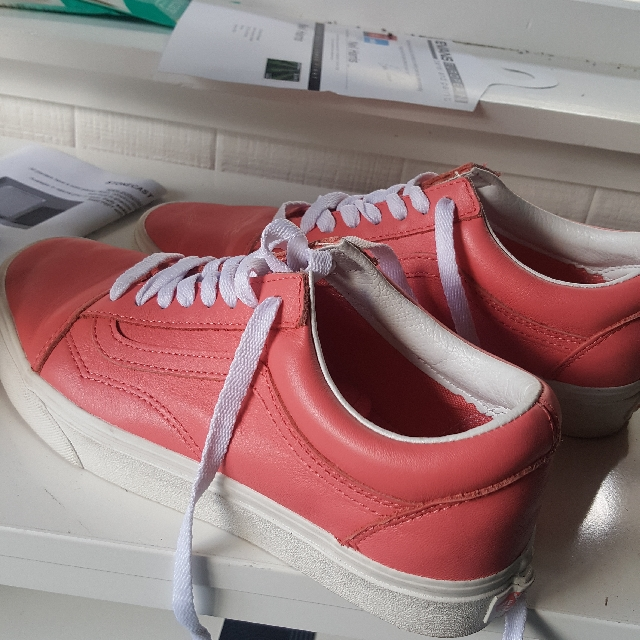 brand new pink leather vans