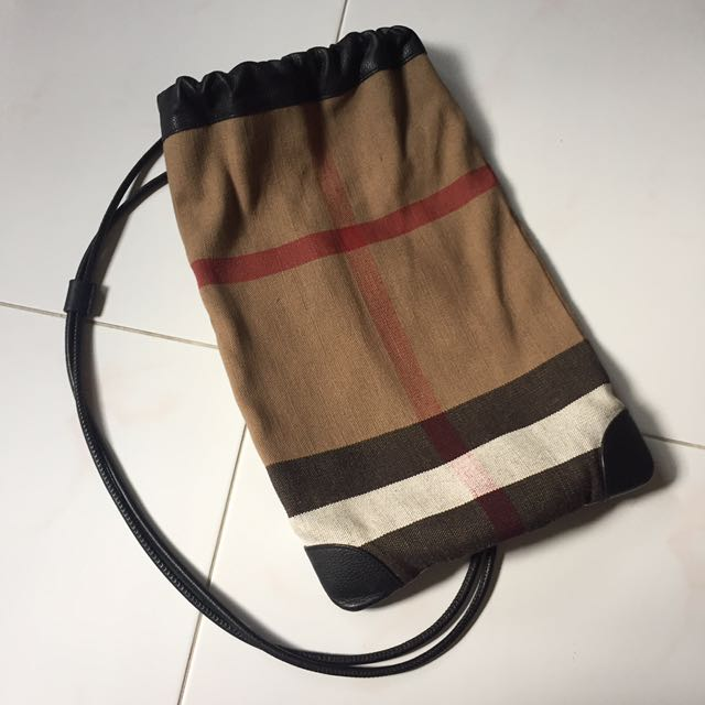 Burberry Prorsum Little Duffle Bag, Luxury, Bags   Wallets on Carousell b0024c0f77