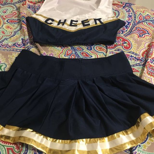 Cheerleader Costume!
