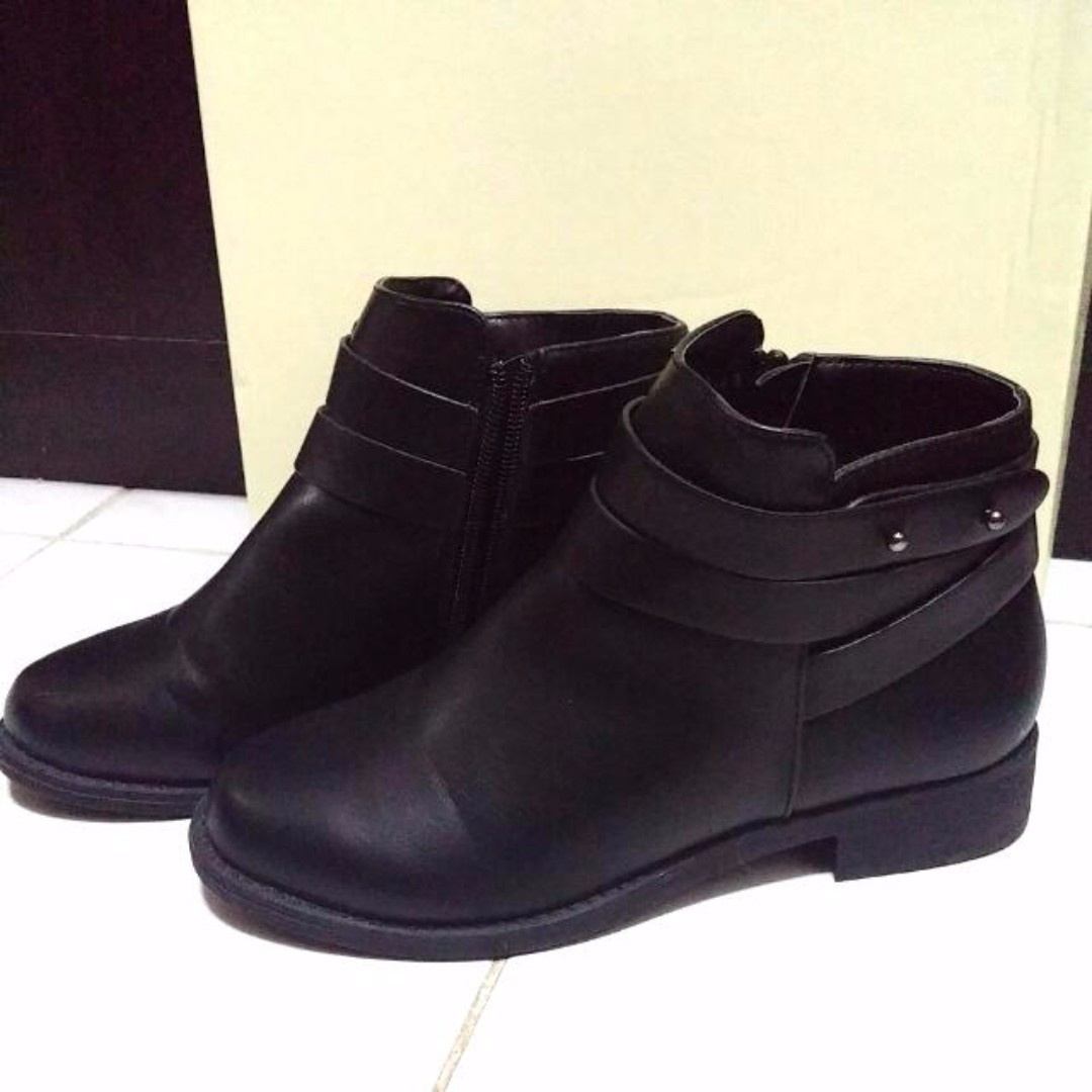 Flat Ankle Boots Size 36 (Free Shipping within Metro Manila)