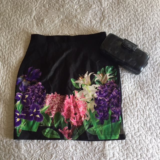 Floral Satin skirt - XS to S