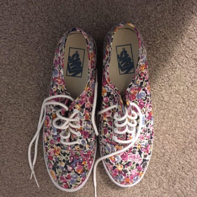 Floral Vans Size 8.5