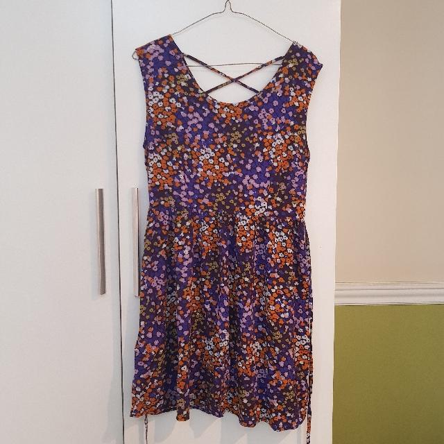 Forever 21 Floral Dress Size L