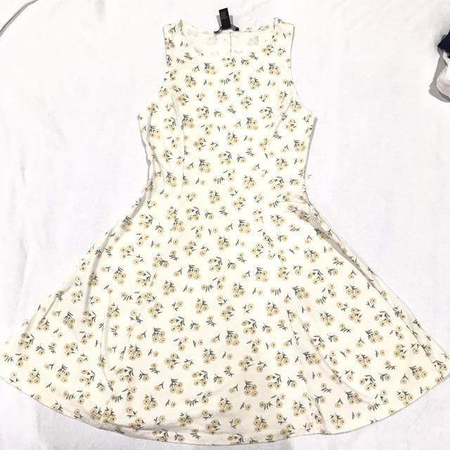 FOREVER 21 Original Floral Dress