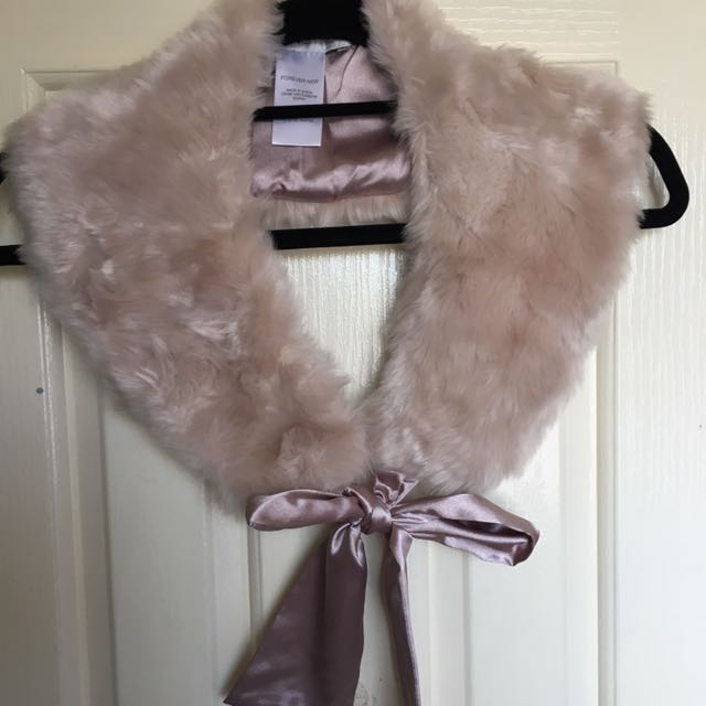 Forever New Faux Fur Collar
