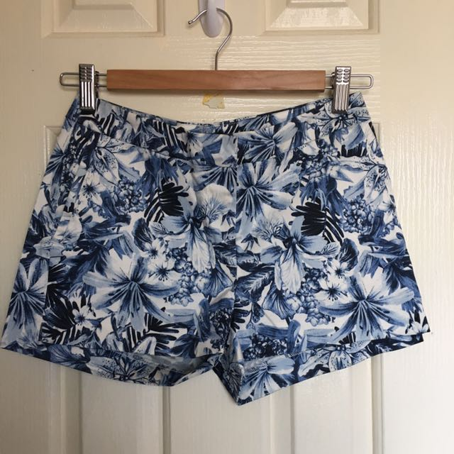 H&M blue Print Shorts -size EUR32 (equivalent To Size 6/8)