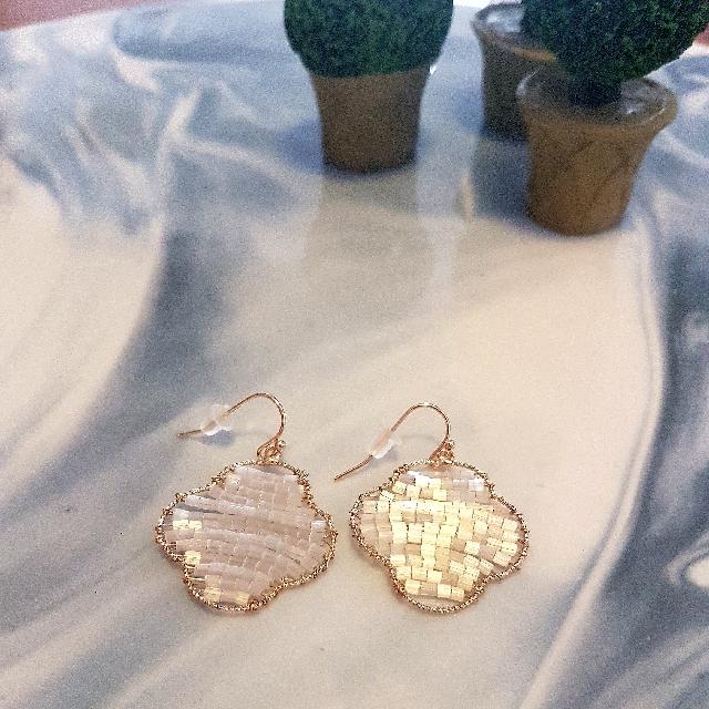 Ladies Drop Gold Fashion Earrings