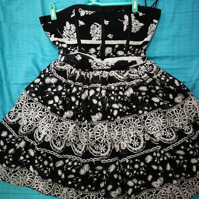 Little Black Dress. Sweetheart Neckline. Tiered Skirt