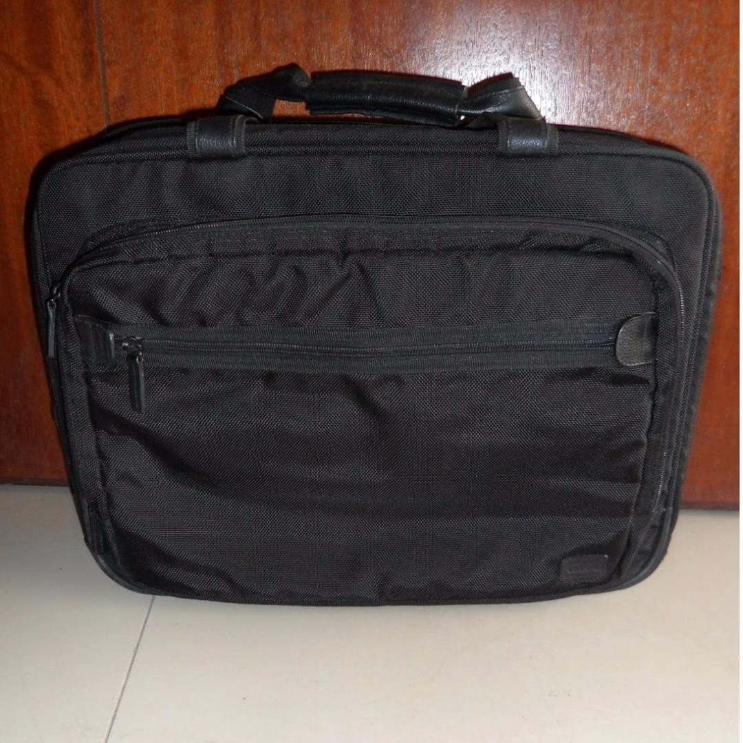 c758805eeb69 LOJEL Executive Travel Bag on Carousell