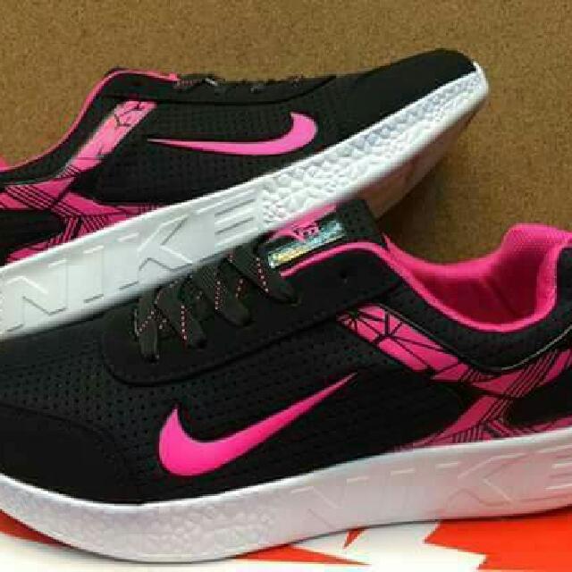 Nike Black Pink