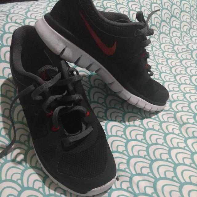 Nike Shoes US 5