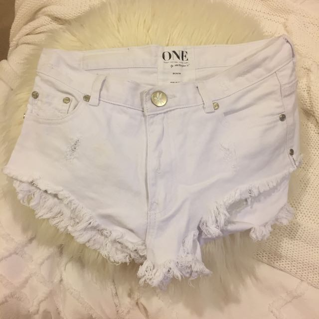 One Teaspoon White Denim Shorts 26