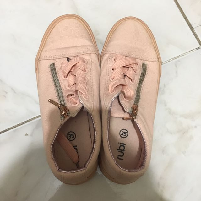 PEACH SNEAKERS FROM RUBI