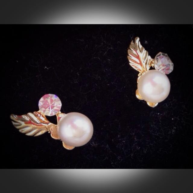Pearl/Gold Earings
