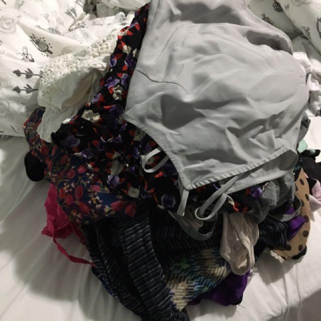 Pile Of Clothes 46-50 Pcs
