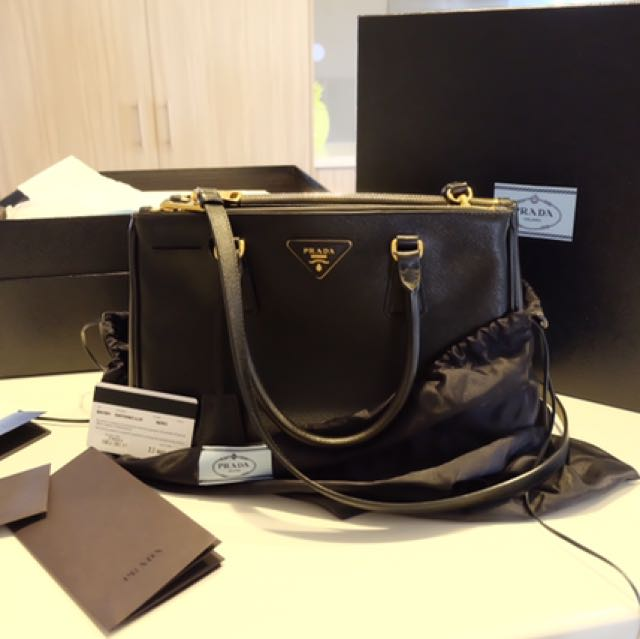 Prada Saffiano leather In Black