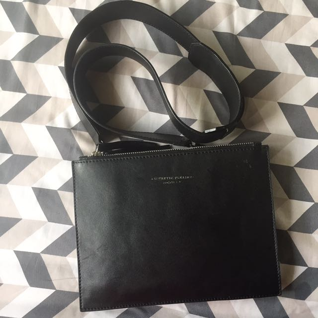 preloved aesthetic pleasure slingbag