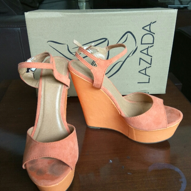 PRELOVED LZD ORANGE HEELS WEDGES Size 38
