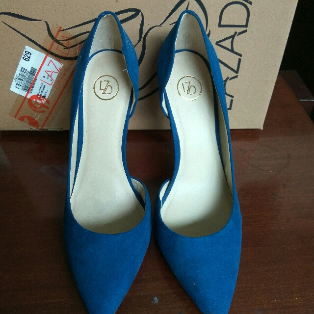PRELOVED SIZE 40 BLUE POINTY HEELS