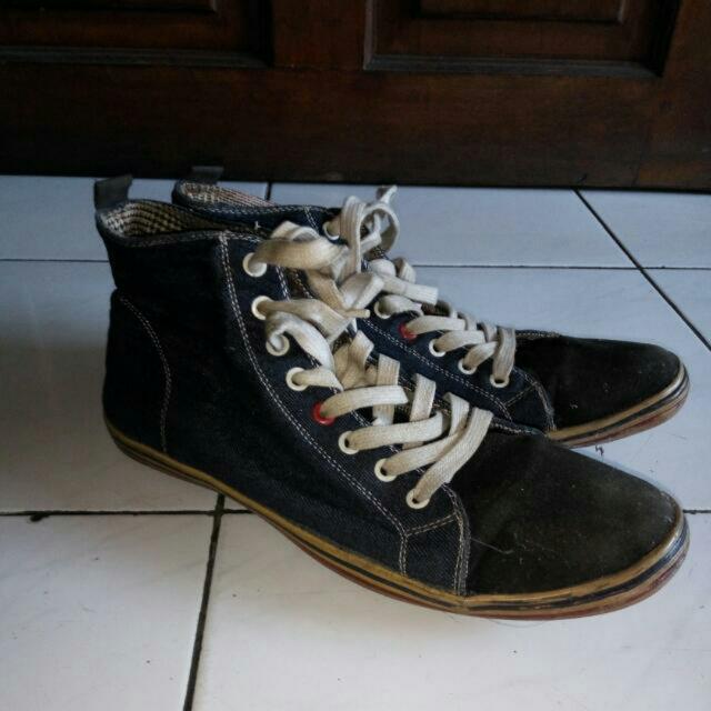 Sepatu Denim Casual
