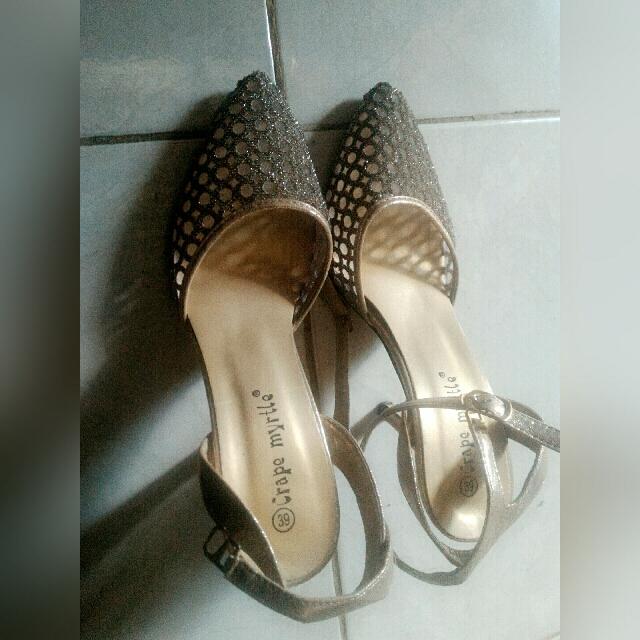 repriced sepatu High heels